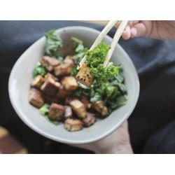 Tofu marinado con kale y...